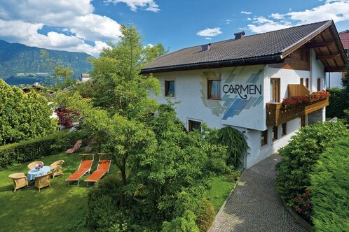 holiday flats Carmen at Dorf Tirol, South Tyrol