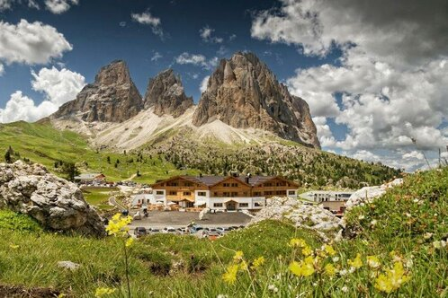 Passo Sella Dolomiti Mountain Resort