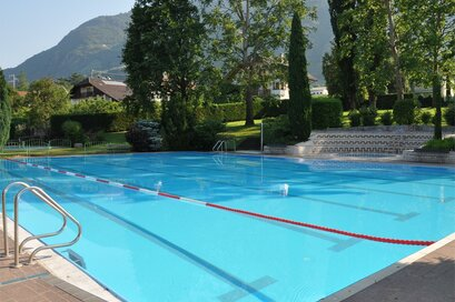 The oper-air swimming-pool in Terlano