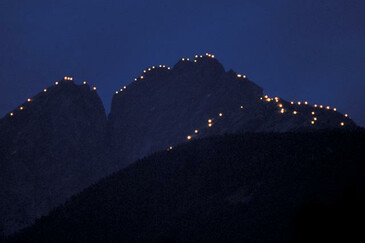 Beacons across the mountains | © Magnolia