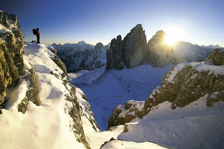 The peaks of the Three Peaks in Alta Pusteria are a spectacular winter attraction for hikers and ski tourers.