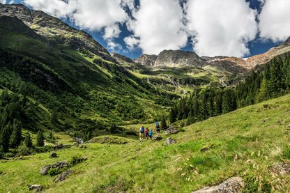 Family-oriented hiking in the village of Colle Isarco
